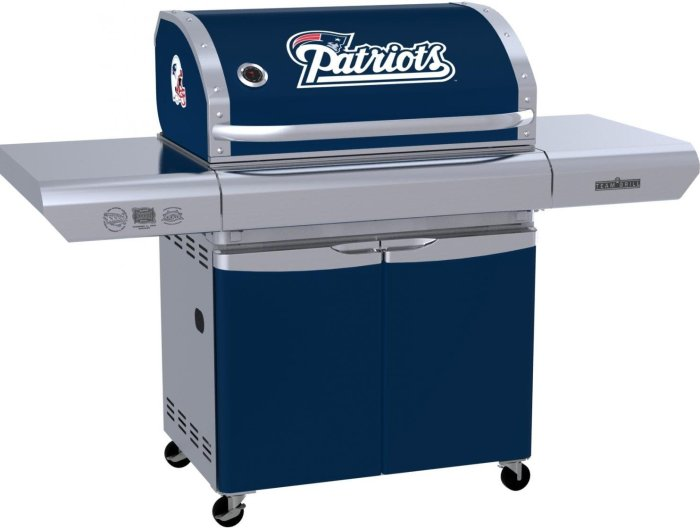 Grill New England Patriots MVP Series Patio Gas Grill